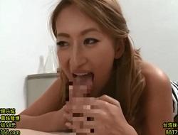吹石れな 巨乳淫乱女医のアナル舐めとパイズリからの濃厚フェラでのお口の治療で腰を突き出して口内射精