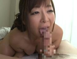 KAORI 全裸で誘惑してくる巨乳巨尻のムチムチ義母のネットフェラ攻めで早漏気味の口内射精