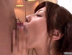 お口を性器に見立てるフェラチオでデカチンを口内射精させごっくん 鈴木きあら