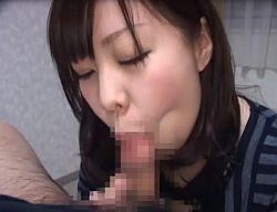 一発出してもフェラを続ける素人娘が二回連続口内射精で受け止めごっくん