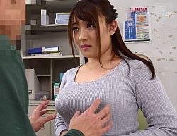 お気に入りの生徒に巨乳を揉ませてあげフェラ抜きをする小梅えな